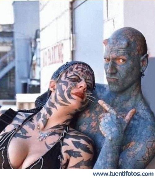 Personas de Pareja Tatuada