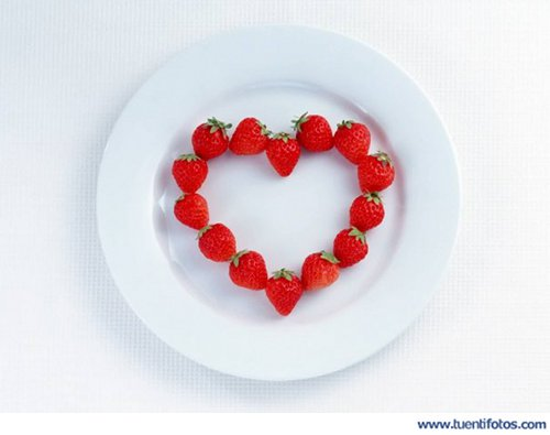 Amor de Fresas Formando Corazón